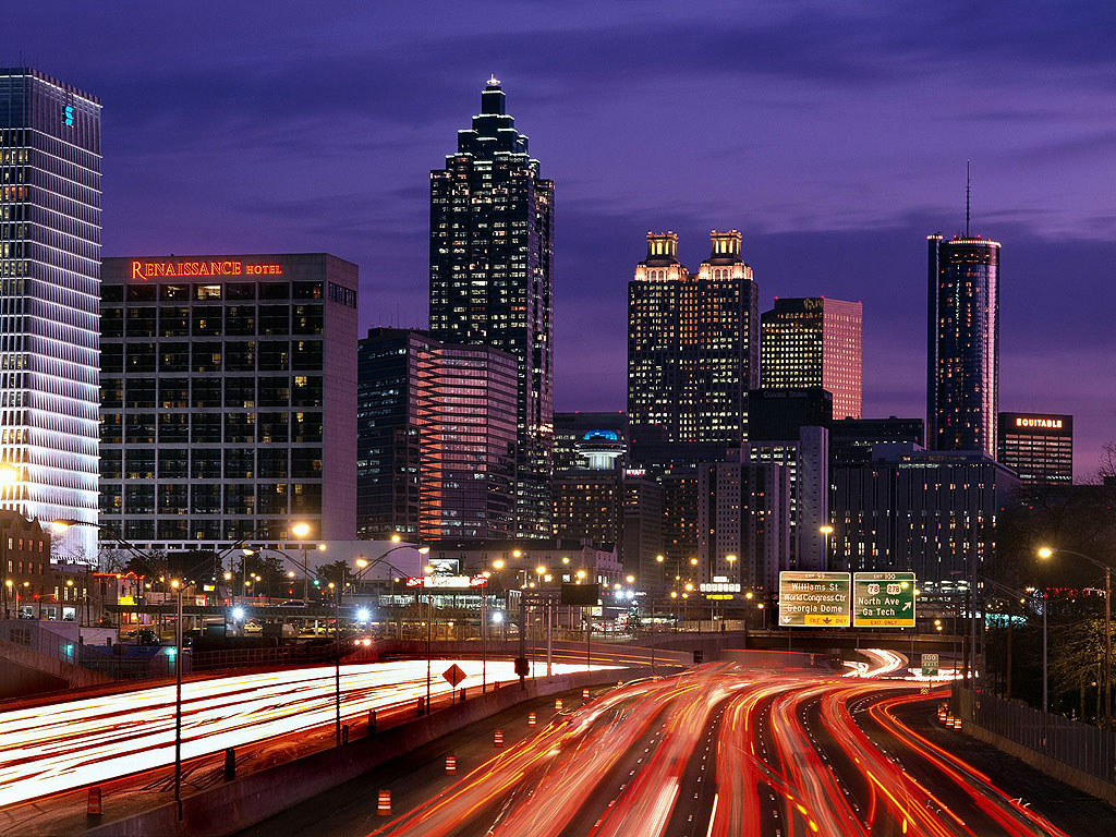 Hotels-at-Atlanta-in-the-night